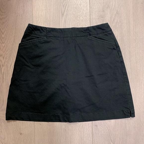 Nike Drifit Golf Skirt / Skort - Size 2